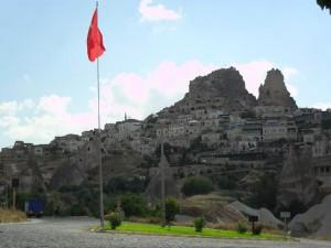 Uchisar mit alter Bergfestung