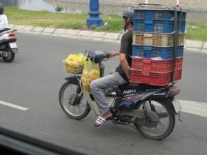 Der Roller. Als Transportmittel...