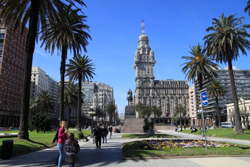 Plaza de Independencia, Montevideo