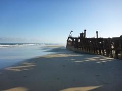 Fraser Island Schiffswrack  Der Strand ist bei Ebbe mit 4x4 befahrbar
