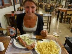 Schnitzel mit Pommes und dazu ein Liter Bier- lecker!