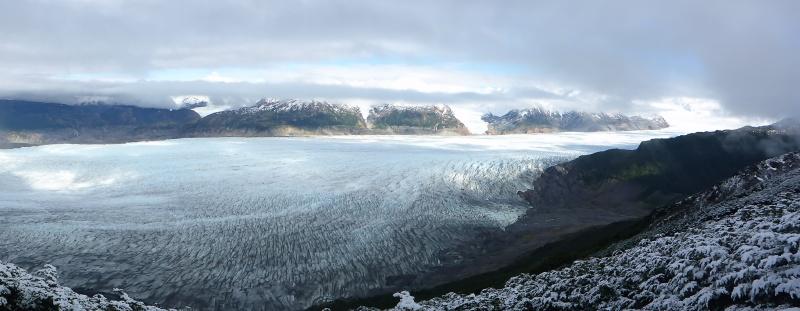 Das Padagonia Icefield.Ausläufer des 13000qkm Gletscherplateus 3. größtes Süsswasserreservoir der Erde nach der Antarktis und Grönland....Wow