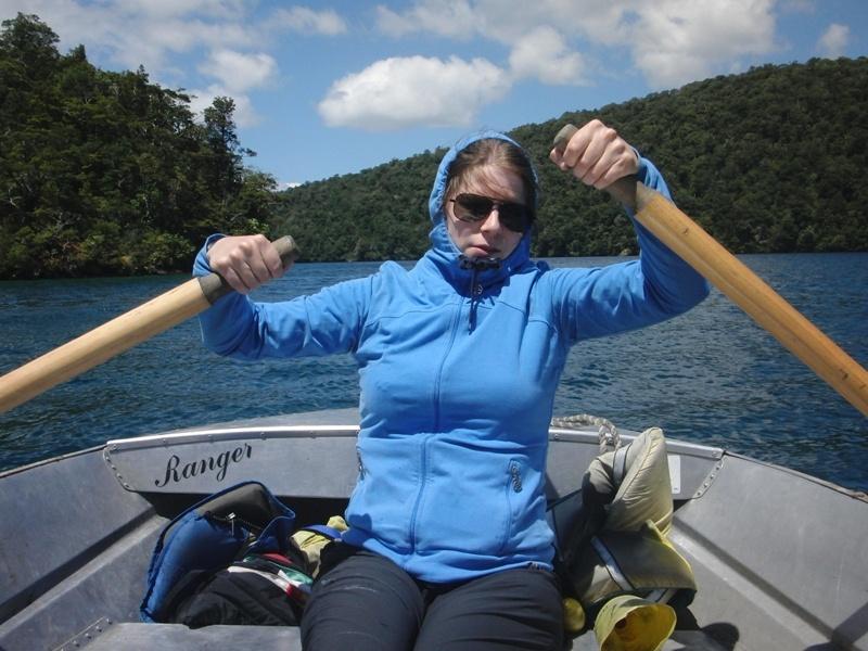 July in Ruderboot-Action (da sieht man, WER gerudert hat)