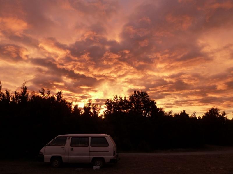 Abendstimmung am Gratiscampingplatz beim Nelson Lake National Park