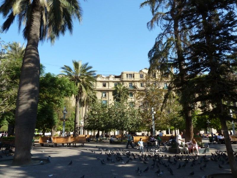 """...""""Plaza de Armas"""" mit unserem Hostel im Hintergrund (+Dachterasse!)"""