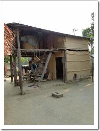 typisches Tharu-Haus