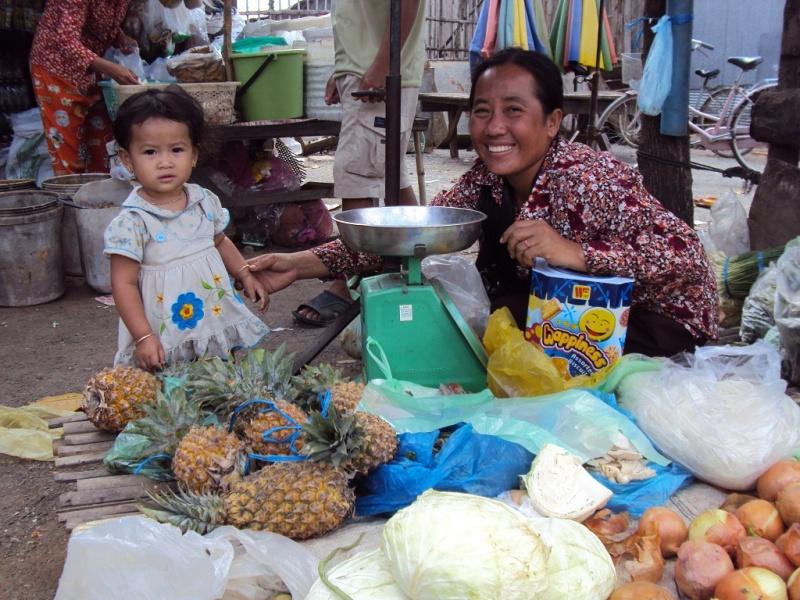 Auf dem Markt sind alle Altersklassen vertreten.