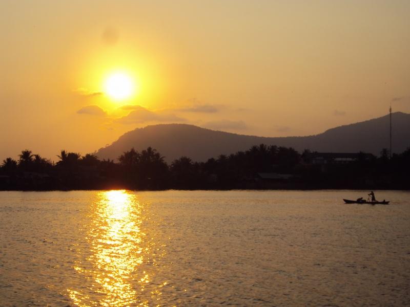 Sunset über dem Teuk Chhou.