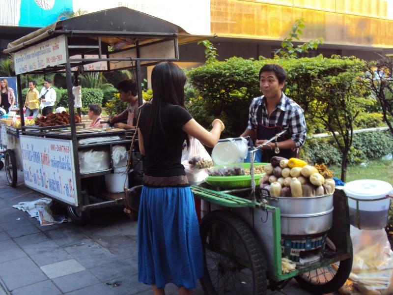 In Bangkok isst man am leckersten auf der Straße.