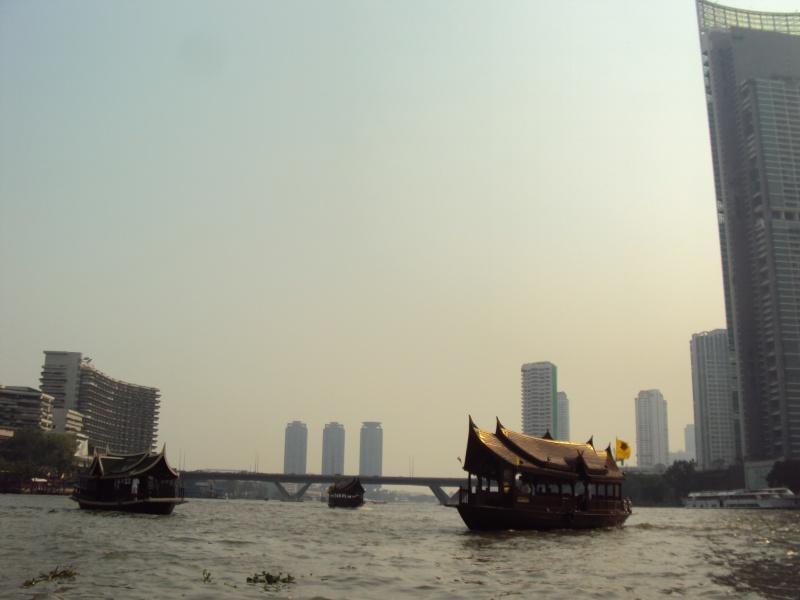 Im Taxiboot auf dem Chao Phraya.
