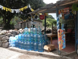 Wasserkanister in San Marco