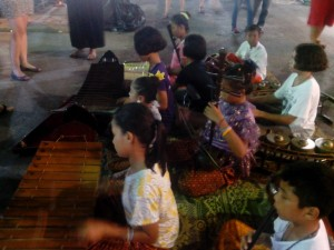 Krabi-Nightmarket-Band