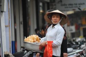 Eine Straßenverkäuferin