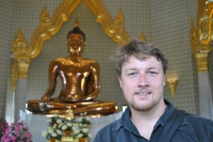 ...das war noch der Goldbuddha aus Chinatown (1.v.l.)...