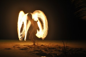 Feuershow am Strand (Pyrotechnik ist hier kein Verbrechen ;-))