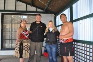 Wir und die Maori Künstler