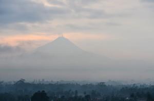 Vulkan Merapi - einer der aktivsten Vulkane Indonesiens