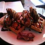 The Elvis Waffle im Café Atitlan