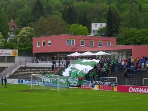 Choreo der Schweinfurter Fans.