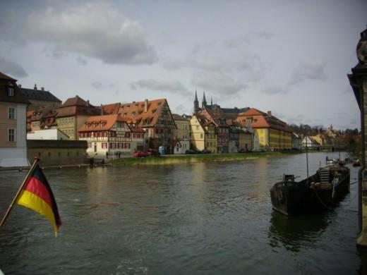 Ein Blick auf die Regnitz in der Bamberger Altstadt.