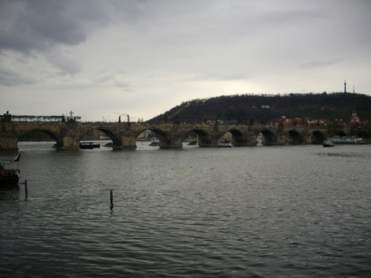 Die Weltberühmte Karlsbrücke in Prag.