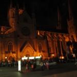 Schlange stehen vor der St Marys Cathedral