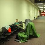 Campieren auf dem Flughafen Melbourne (Zelt trocknen)