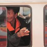 typischer indonesischer Kettenraucher