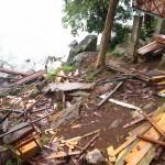 eingerissener Bungalow in der Nachbarschaft auf Pulau Weh