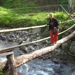 Angie überquert nen Fluß