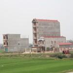 typische Bauweise in Vietnam…in die Höhe und in die Tiefe, Breite kostet zu viel
