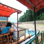 Anspannung vor der Abfahrt – Bootstour auf dem Li-Fluss