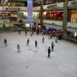 Wiedermal Eislaufen im 6. Stock eines Shopping Center (Guangzhou)