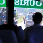 Im Bus mit Blick nach vorn