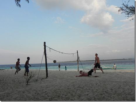 Marcel beim allabendlichen Beach Volleyball